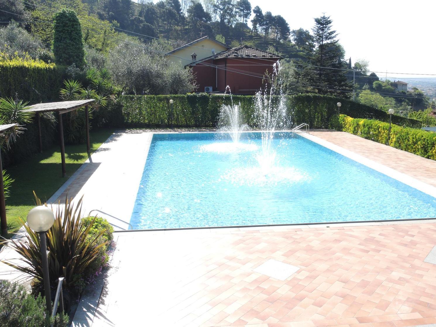 grappolo-d-oro-piscina